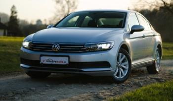Volkswagen Passat full