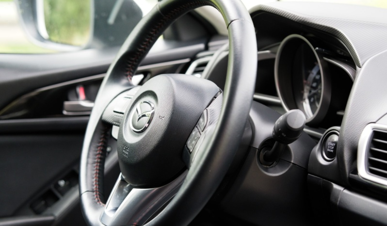 Mazda 3 full